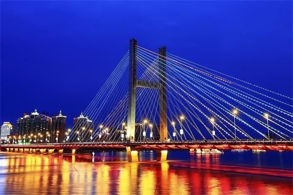 桥梁夜景灯光亮化工程提升城市的影响力