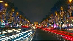 商业街照明设计应注重文化内涵相结合