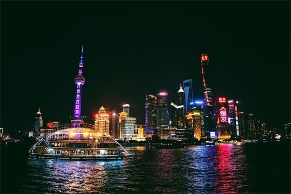 城市夜景亮化工程让夜晚更加的有魅力