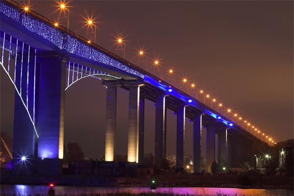 大桥夜景照明