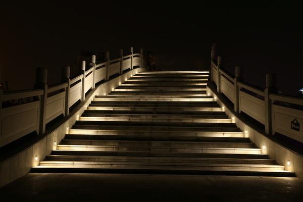 楼梯亮化照明工程