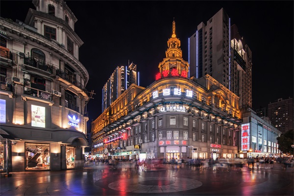 商业步行街灯光设计