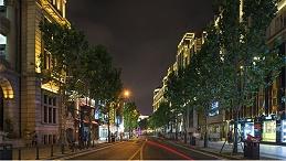 户外灯光照明工程为夜间行人提供保障