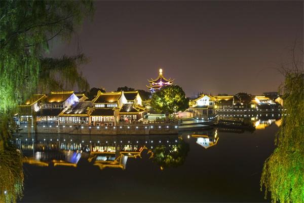 小镇夜景灯光照明工程